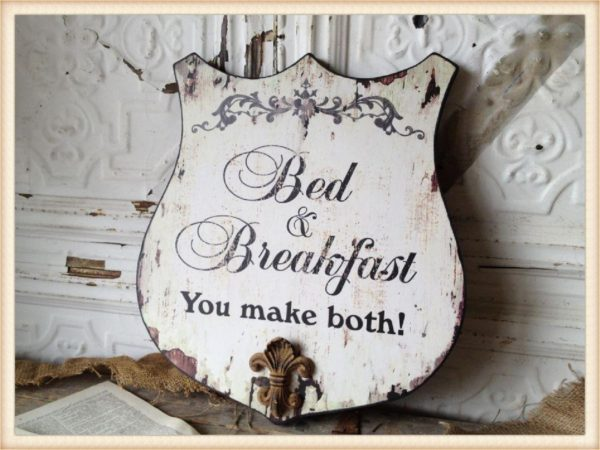 bed and breakfast shield